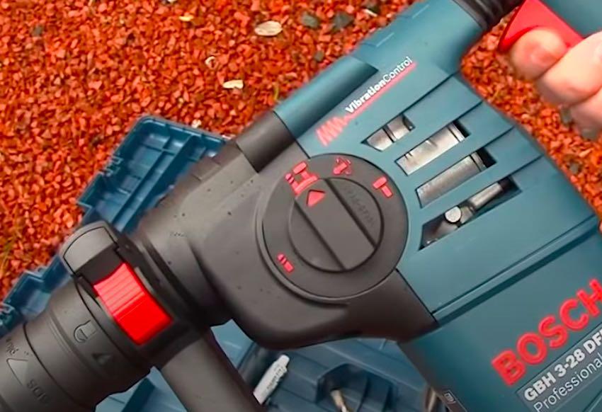 Der Bosch Professional GBH 3-28 DFR Bohrhammer verfügt über 3,1 Joule Schlagenergie.