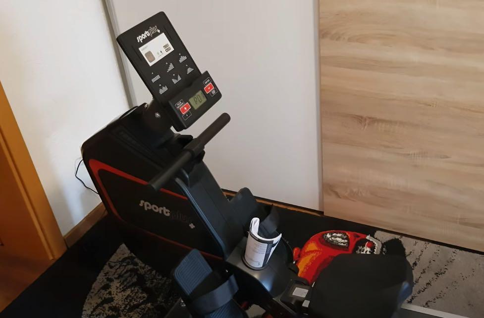 Das SportPlus Rudergerät mit App-Steuerung SP-MR-030-IE.