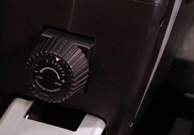 Der Magnetwiderstand des Sportstech RSX400 Rudergeräts lässt sich manuell in 8 Stufen anpassen.