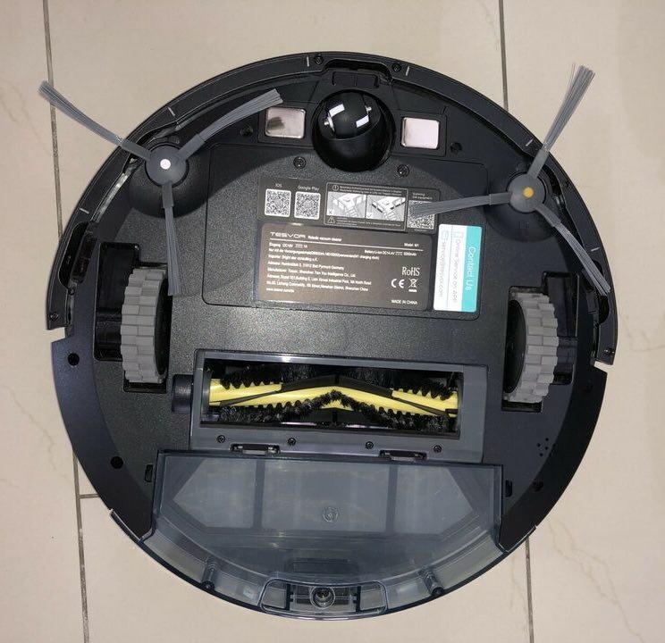 Die Unterseite des Tesvor M1 4000.