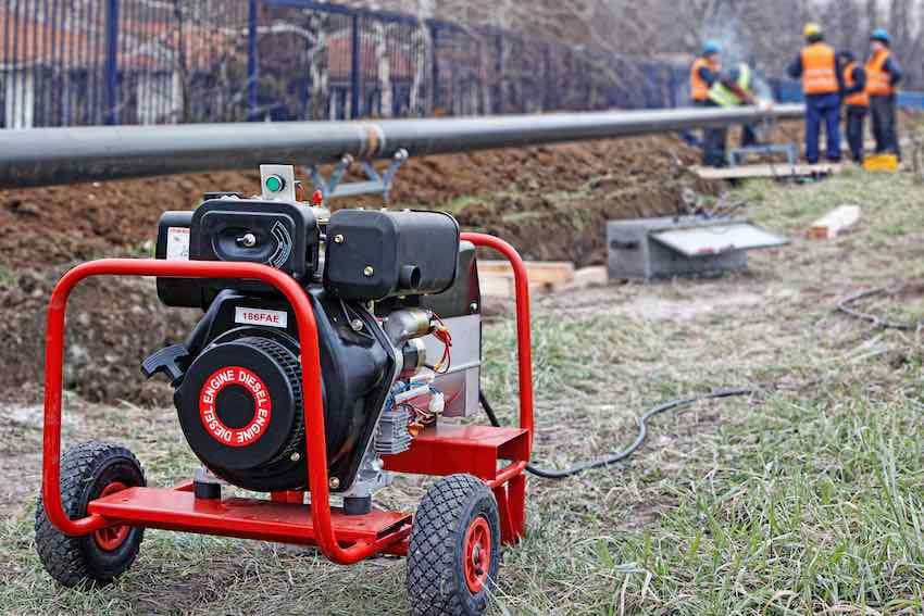 Notstromaggregate auf Dieselbasis findet man oft auf Baustellen.