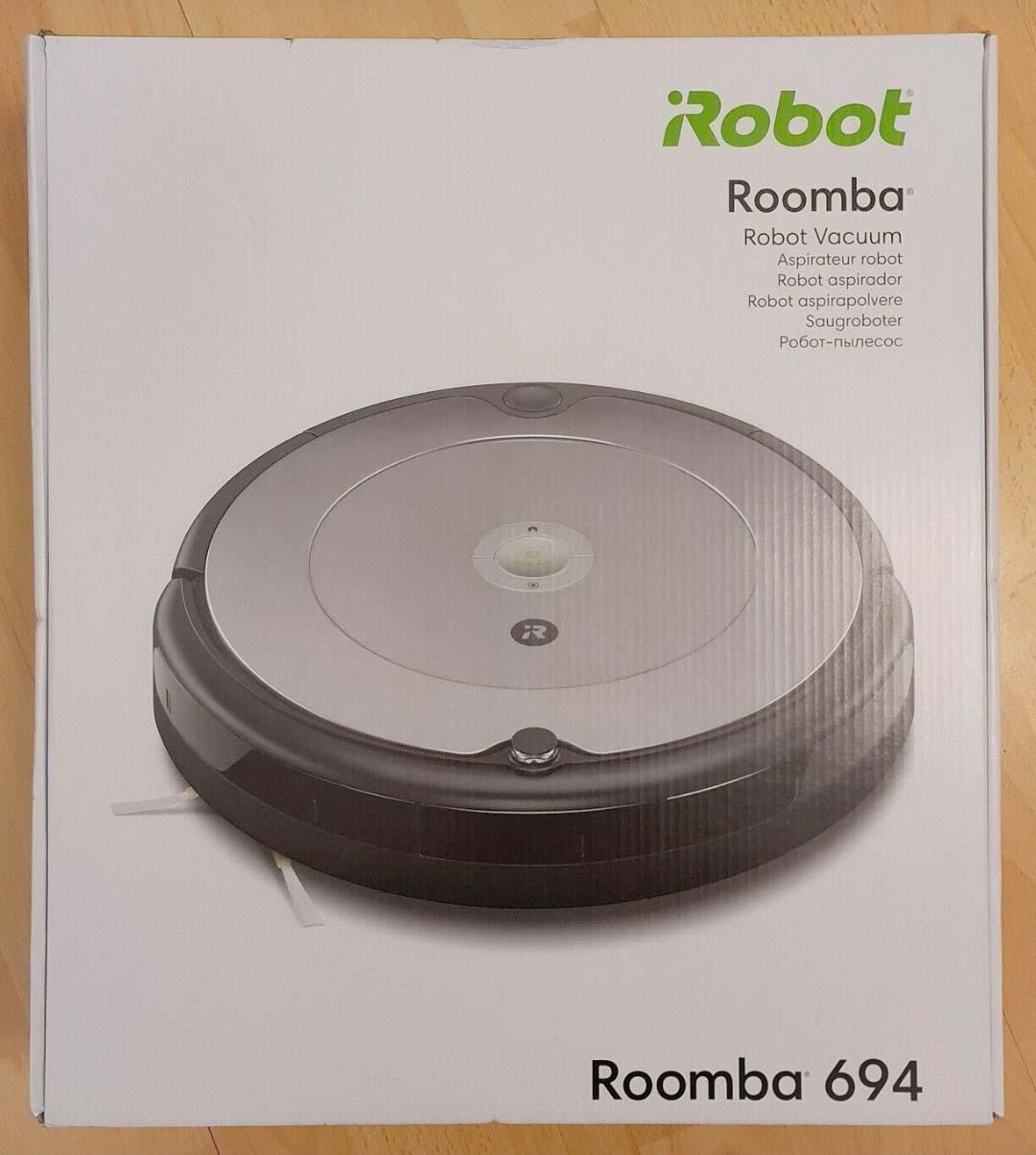 Die unspektakuläre Verpackung des iRobot Roomba 694 Saugroboters.