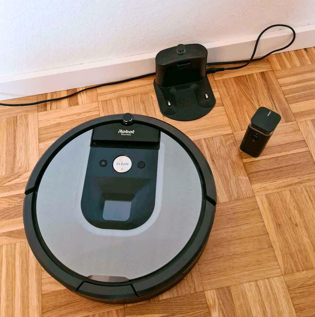 Der iRobot Roomba 960 nach dem Auspacken.
