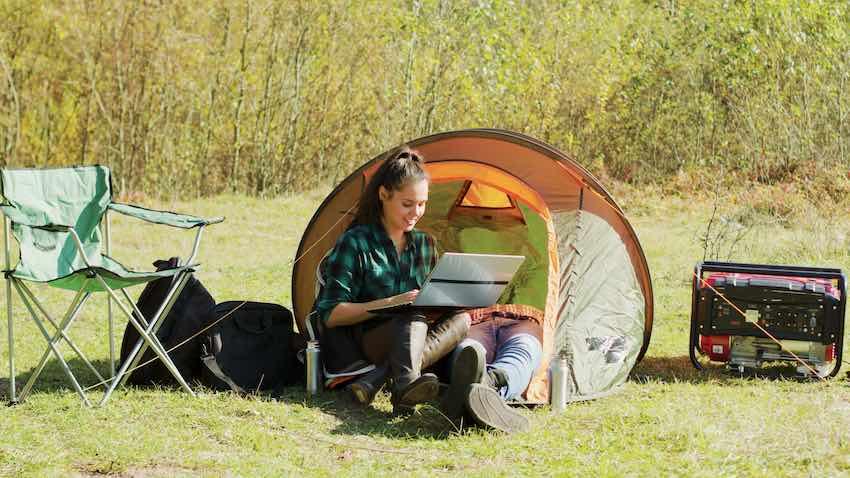 Ein Inverter-Stromerzeuger eignet sich hervorragend fürs Camping.