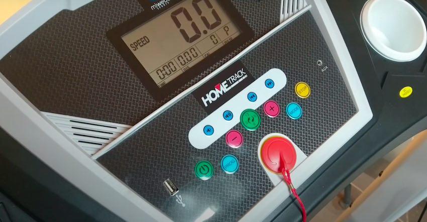 Das übersichtliche LCD-Display des Miweba Sports HT1000F Laufbands verfügt über insgesamt 16 Laufprogramme.