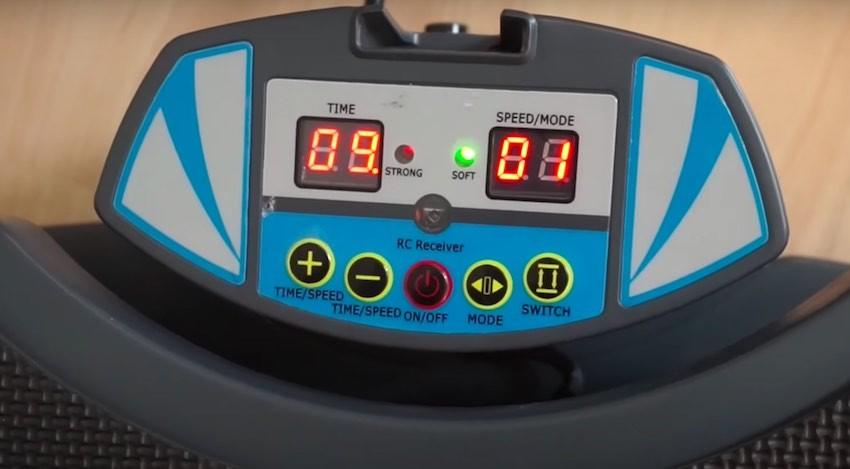 Das Display der Skandika Home 500 Vibrationsplatte mutet etwas altbacken an.