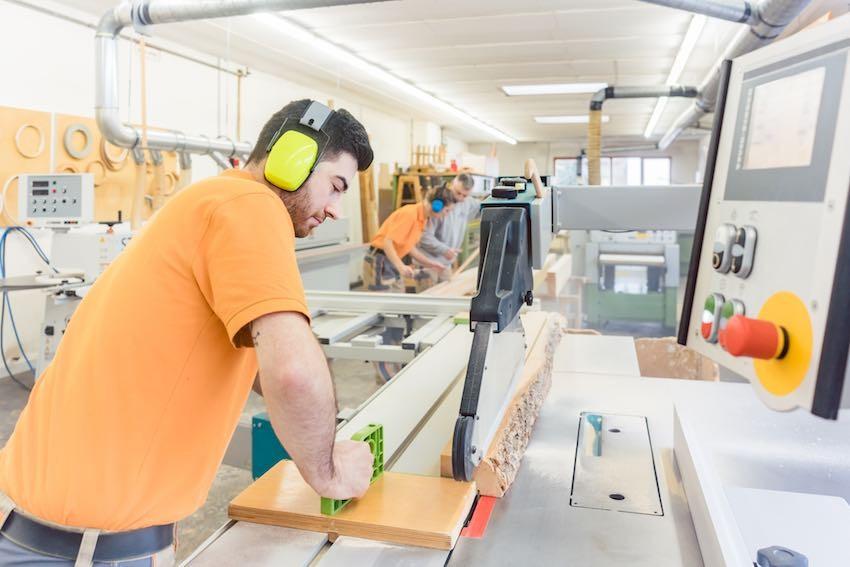 Ein Zimmermann benötigt eine andere Tischkreissäge, als ein Heimwerker.